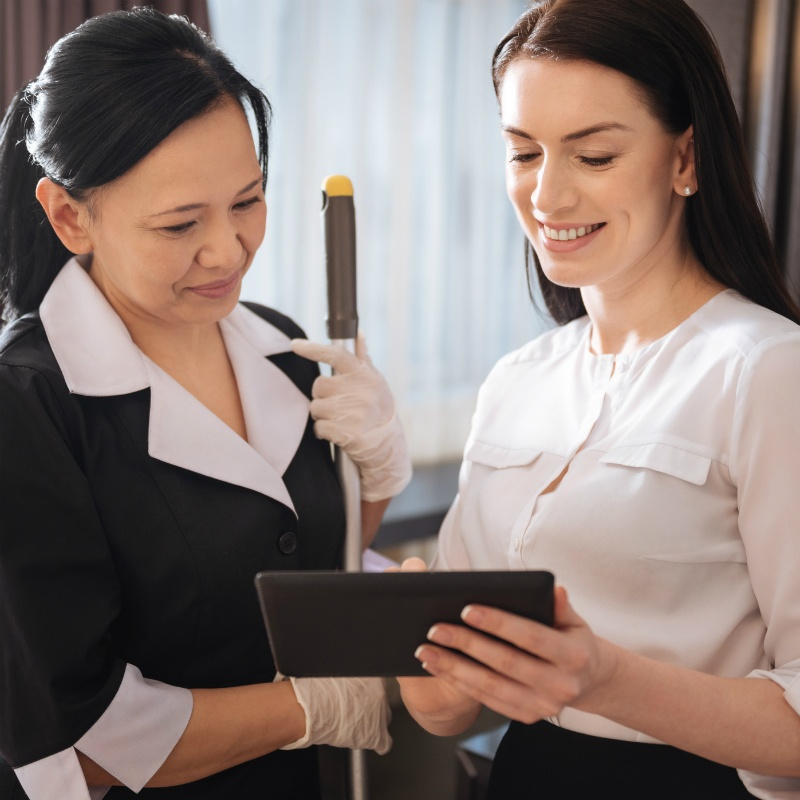 Lead the Way: Advanced Ergonomics Training for Your Executive Housekeeping Team®